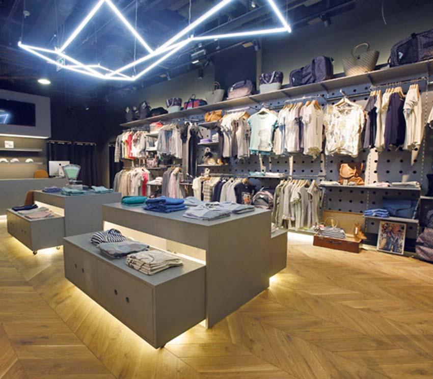 Wyposażenie sklepu odzieżowego Warszawa - Shopfitting